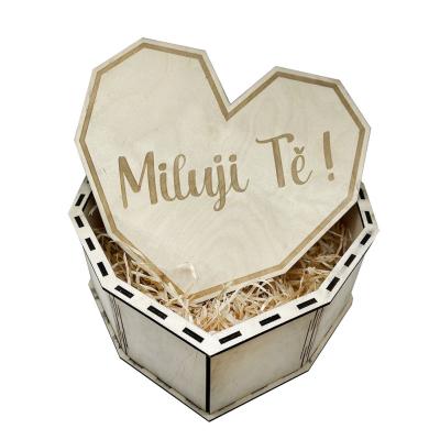 Dřevěná dárková krabička srdce